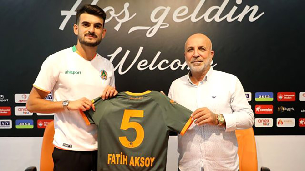 Beşiktaşlı genç yıldız Aksoy 5 yıllık imza attı