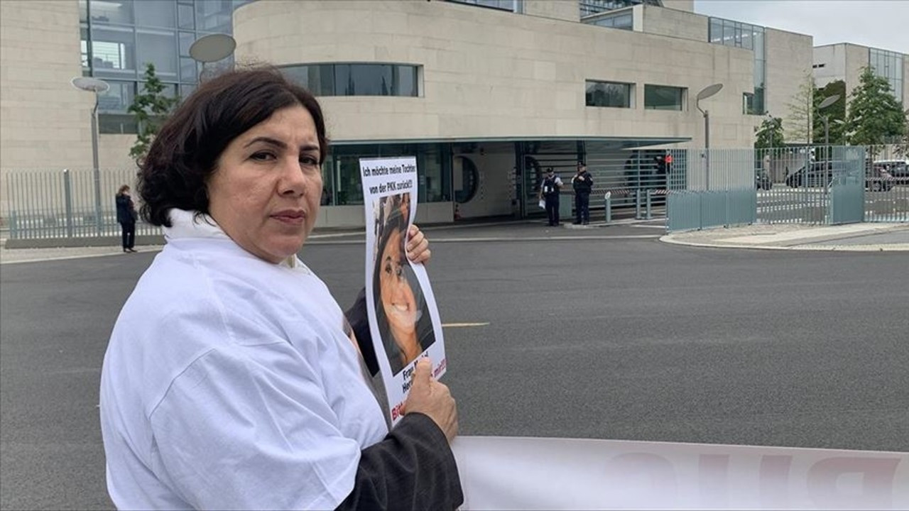 PKK'nın, kızını kaçırdığı annenin eylemi sürüyor
