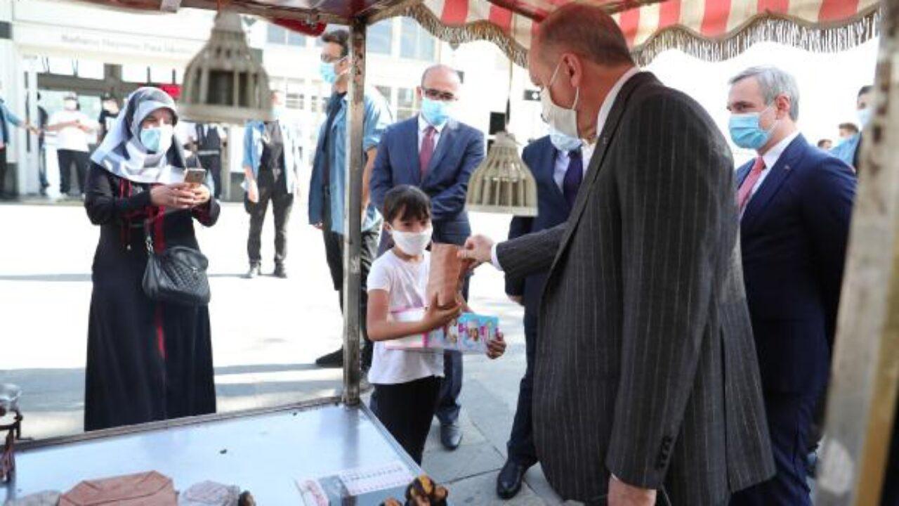 Erdoğan, Beşiktaş'ta kestane satın aldı