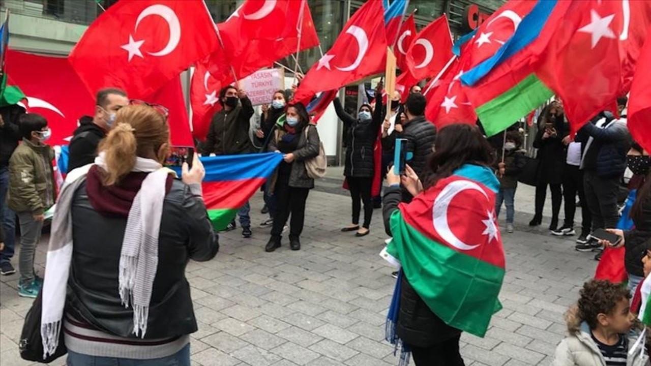 Almanya'daki Türkler'den Azerbaycan'a destek