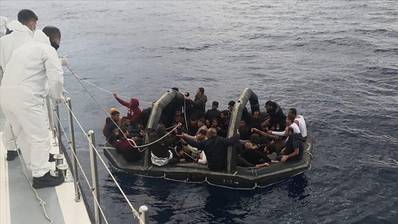 Türk kara sularına itilen 232 sığınmacı kurtarıldı