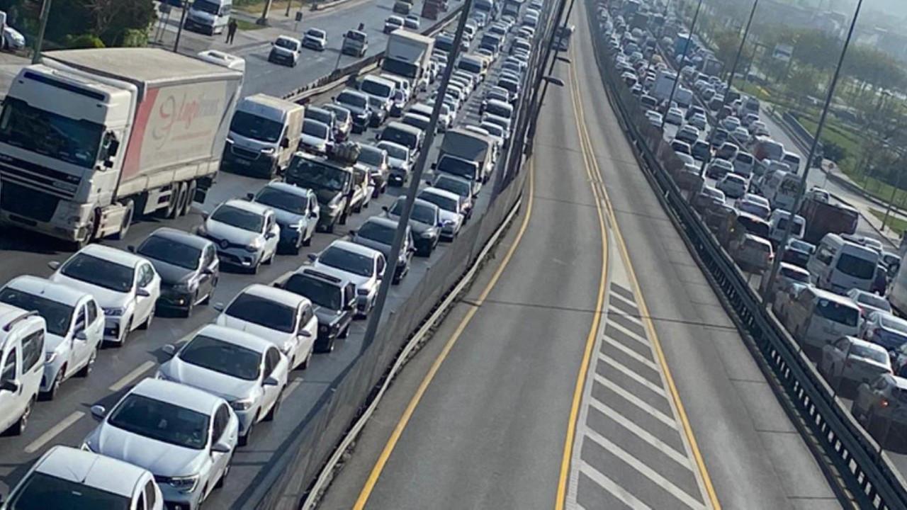 İstanbul trafiğinde Pazartesi yoğunluğu
