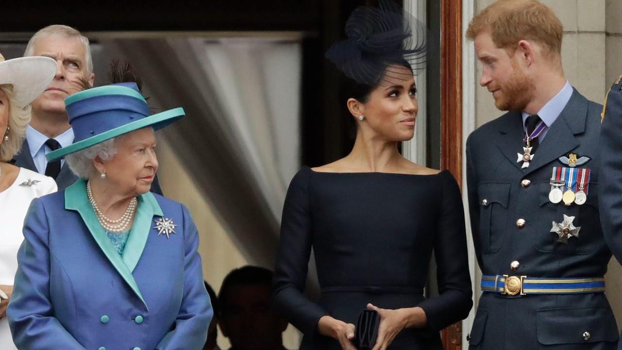 Kraliçe Elizabeth'e zeytin dalı