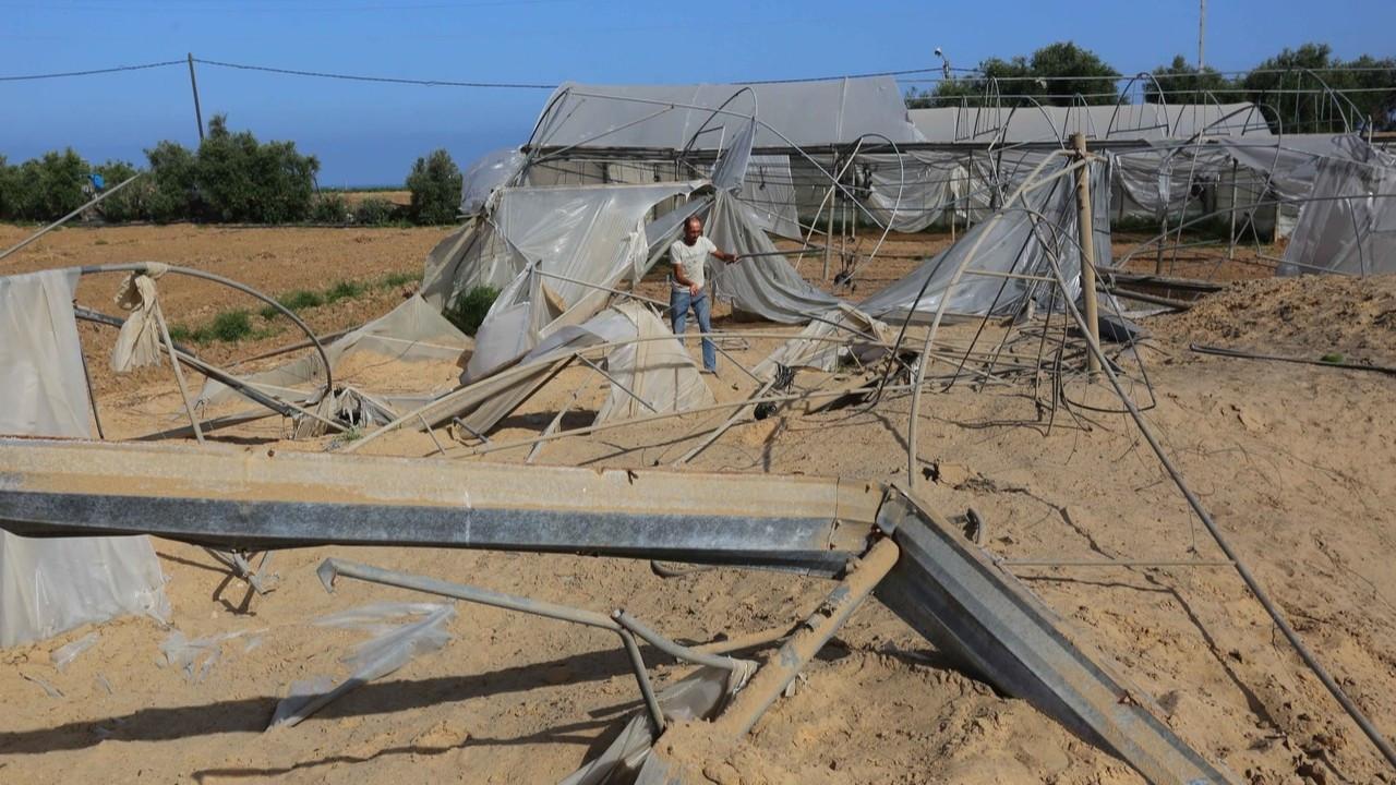 İsrail'in saldırılarında tarlalar da zarar gördü