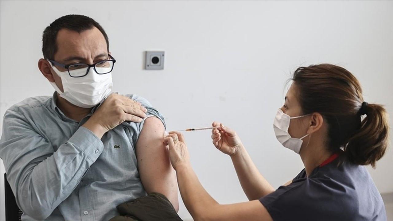 Son 24 saatte 781 bin 351 kişi aşı yaptırdı