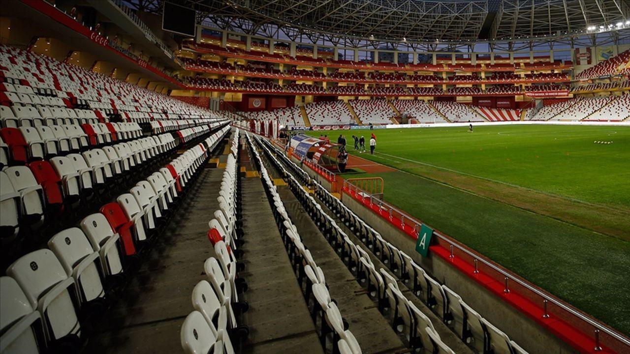 Stadyumlara yüzde 50'si kadar seyirci alınacak
