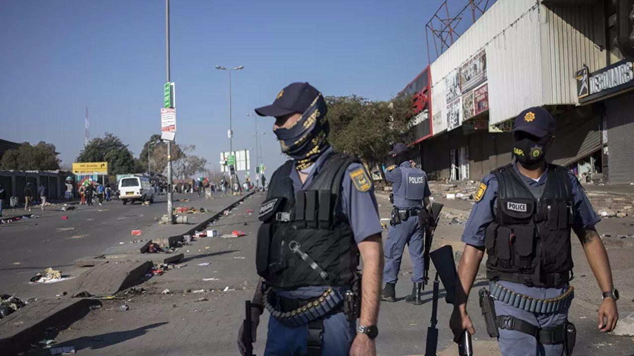 Güney Afrika'da 6 kişi yaşamını yitirdi