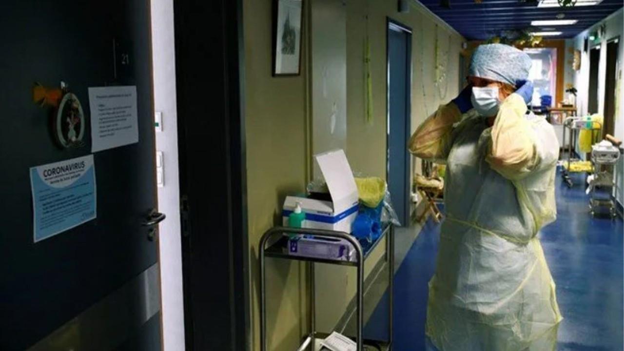Fransa ve Yunanistan'da aşı zorunlu hale geliyor
