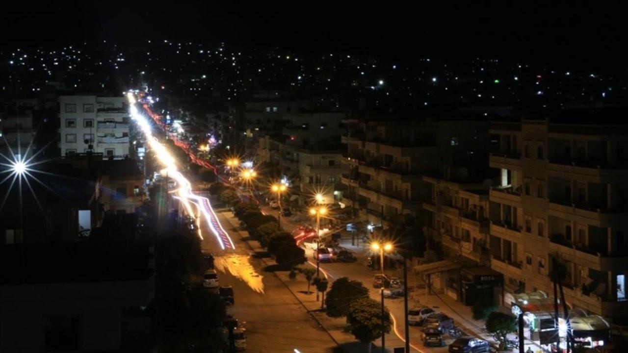 Afrin ilçe merkezi yıllar sonra elektriğe kavuştu