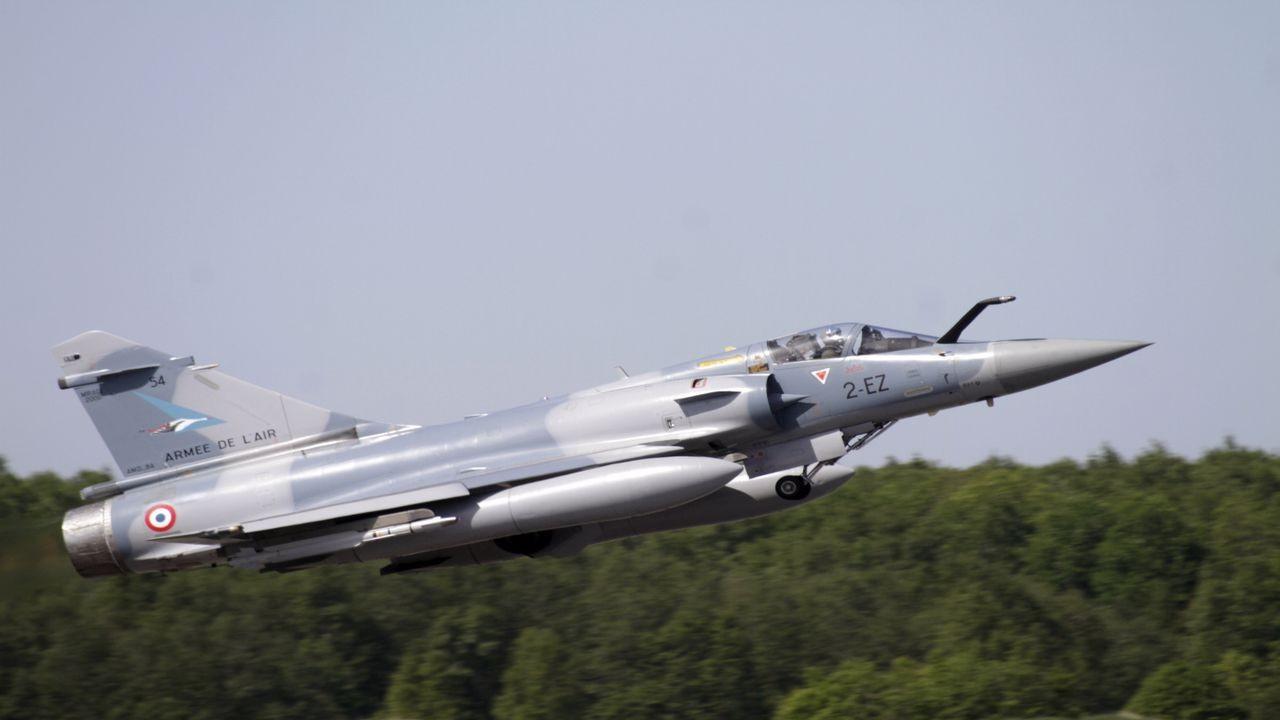 Mali'de Fransa'ya ait savaş uçağı düştü
