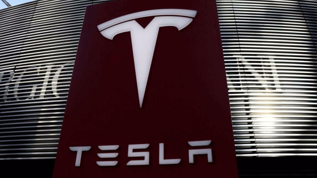 Tesla'dan ikinci çeyrekte 1,1 milyar dolarlık rekor kar