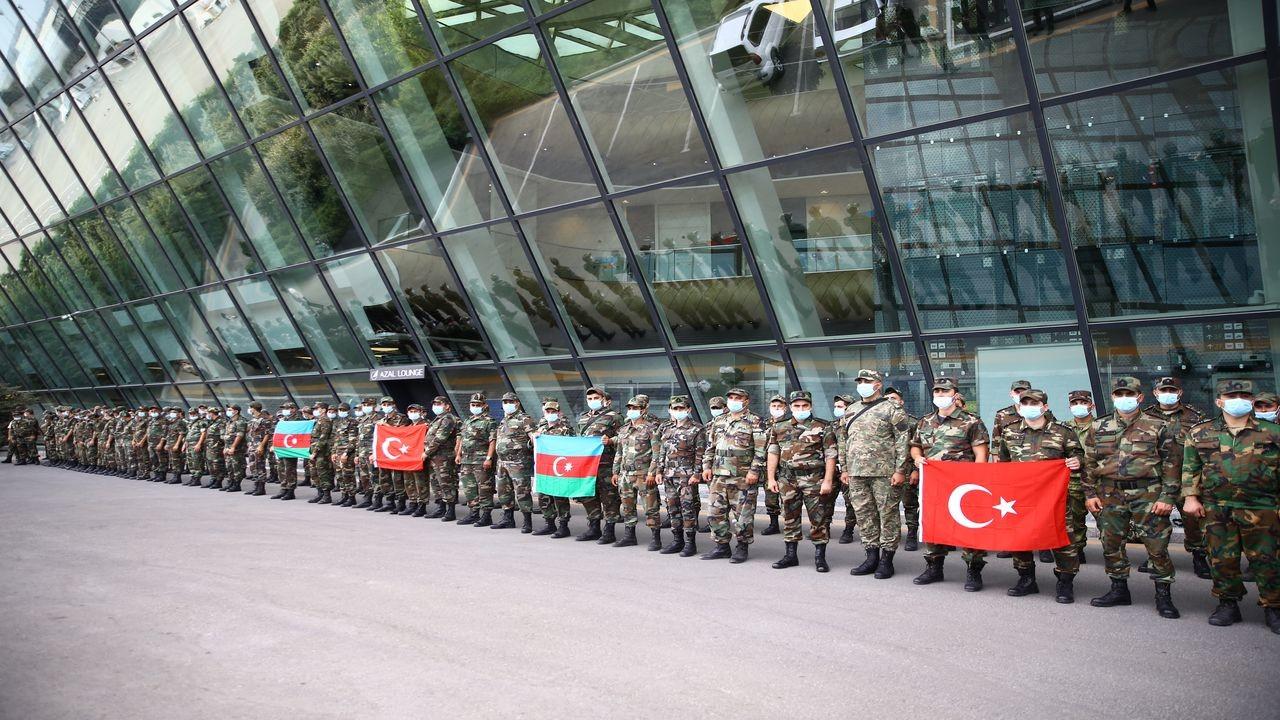 Azerbaycanlı ekipler, Türkiye'ye hareket etti