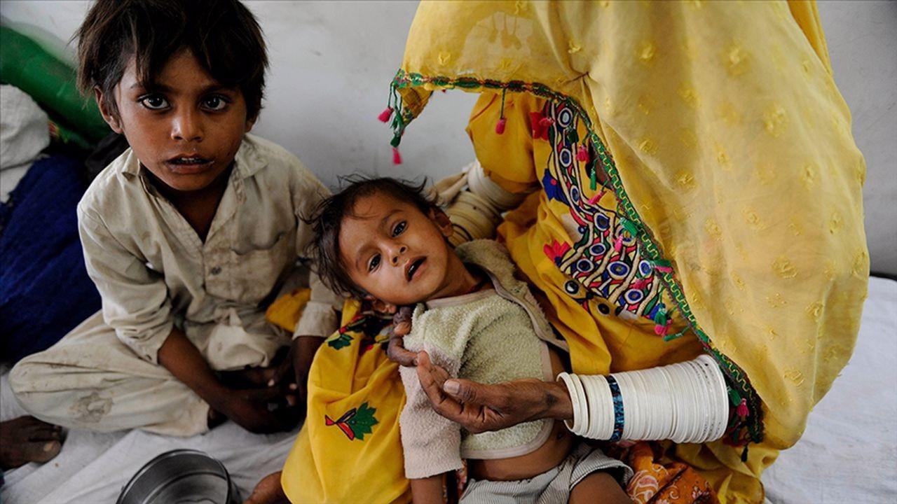 Hindistan'da 12 çocuk gizemli hastalıktan öldü