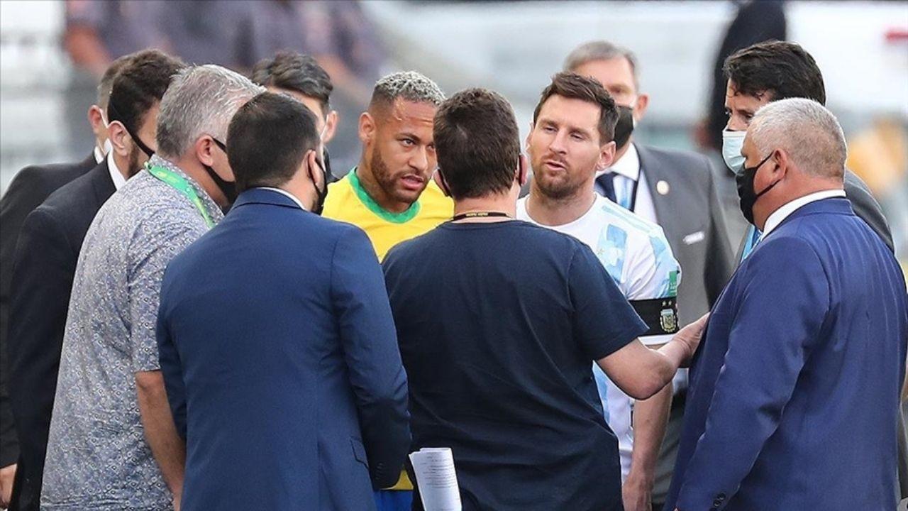 Brezilya - Arjantin maçında görülmemiş olay