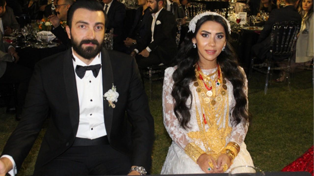 Evlenen çifte 2 milyon lira, 4 kilo altın takıldı