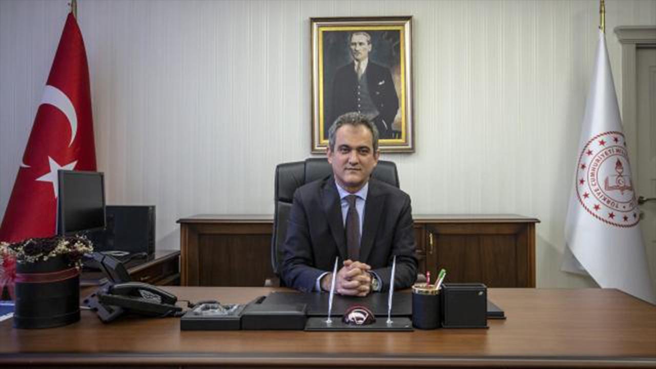 Bakan Özer'den 15 bin öğretmen ataması açıklaması