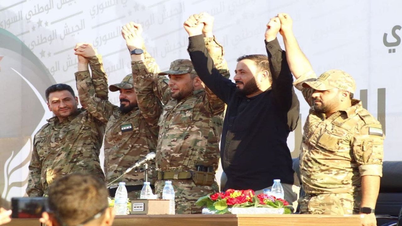 """5 grup """"Suriye Kurtuluş Cephesi"""" adıyla birleşti"""