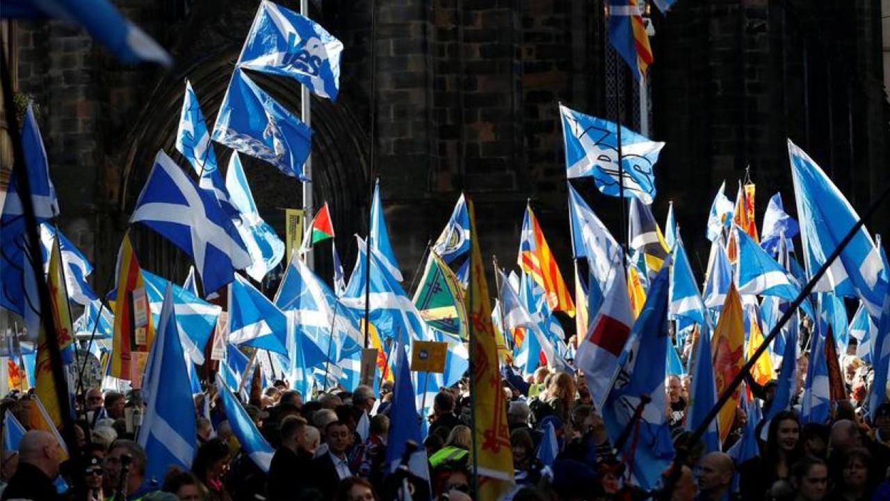 İskoçya yeniden bağımsızlık referandumuna gidiyor