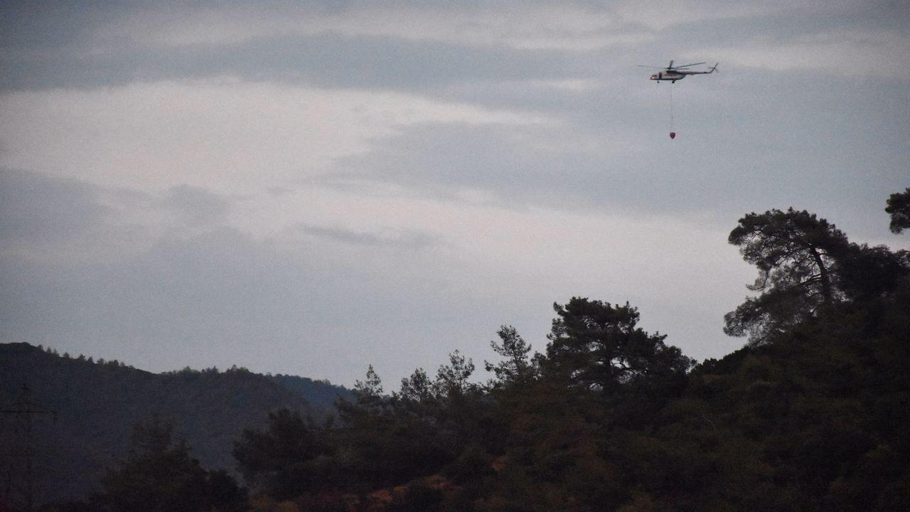 Marmaris'te orman yangınına müdahale ediliyor