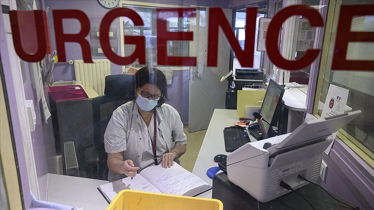 Fransa'da 3 bin sağlık çalışanı açığa alındı