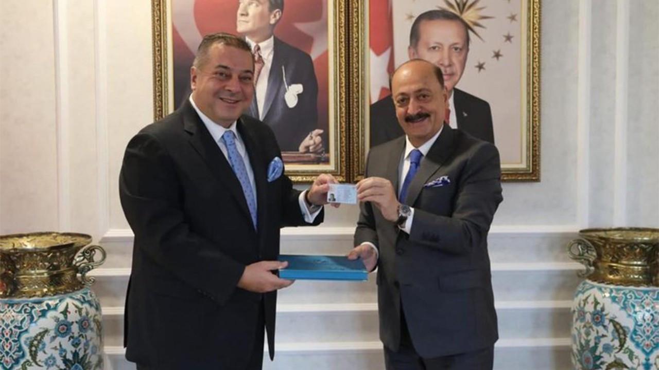 Yabancı yatırımcıya turkuaz kart
