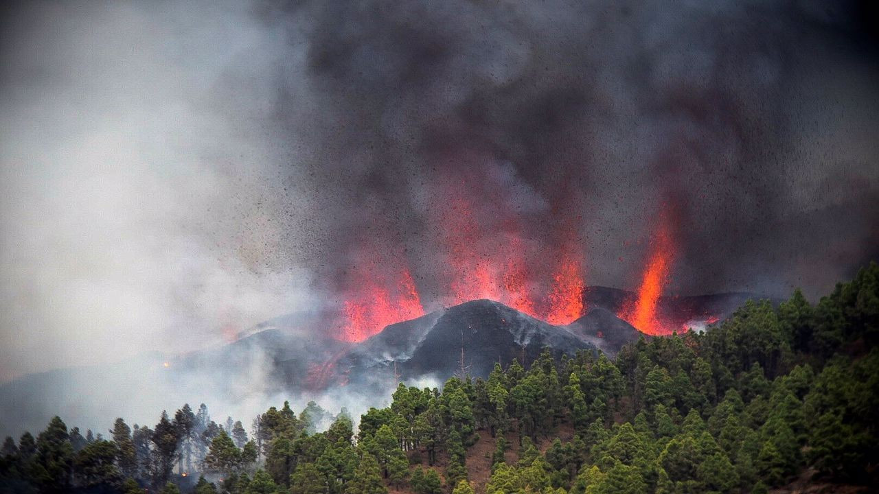 La Palma yanardağı faaliyete geçti