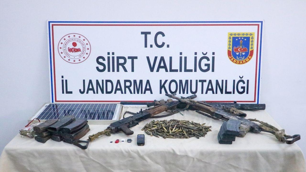 Siirt'te etkisiz hale getirilen PKK'lı teröristlere ait silah ve mühimmat ele geçirildi