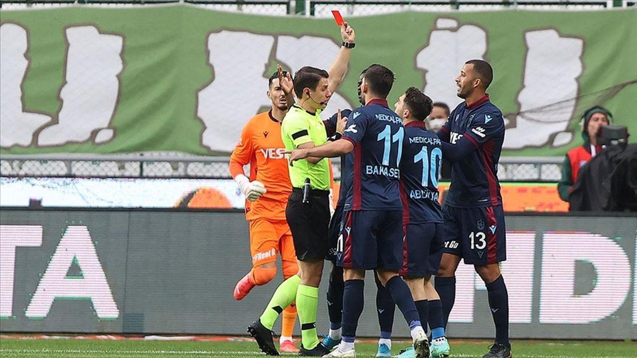 Trabzonspor liderlik fırsatını kaçırdı