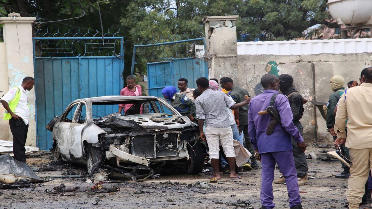 Mogadişu'da bombalı saldırıda 7 kişi öldü