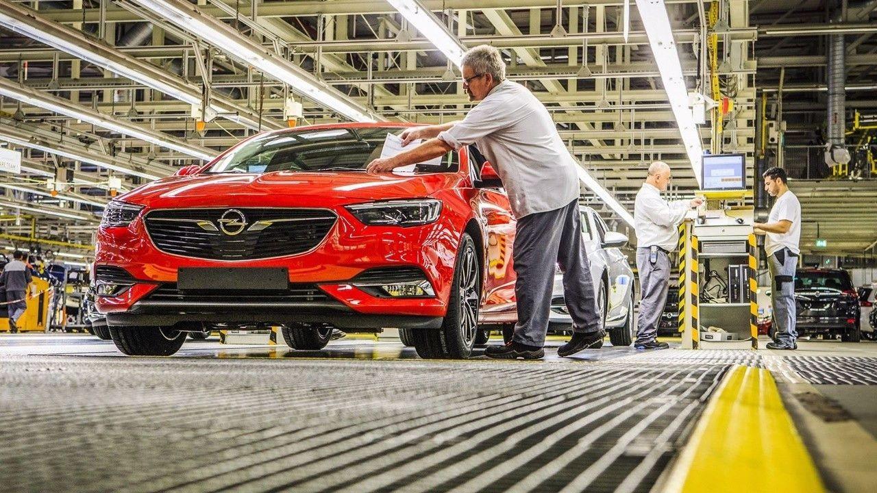 Opel Almanya'daki fabrikasında üretime ara veriyor