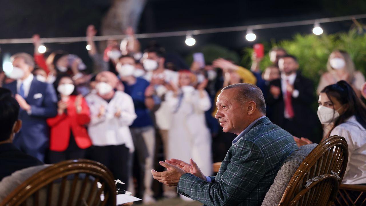 Cumhurbaşkanı Erdoğan Adana'da gençlerle buluştu