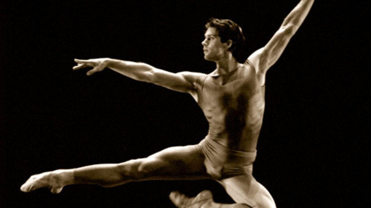 Dekorun altında kalan balet hayatını kaybetti