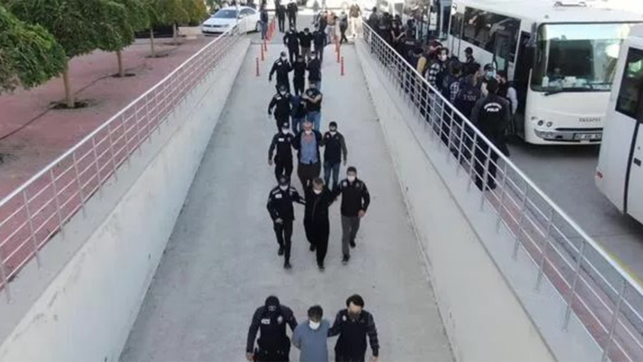 İnfaz timi kuran silahlı suç örgütüne 28 tutuklama