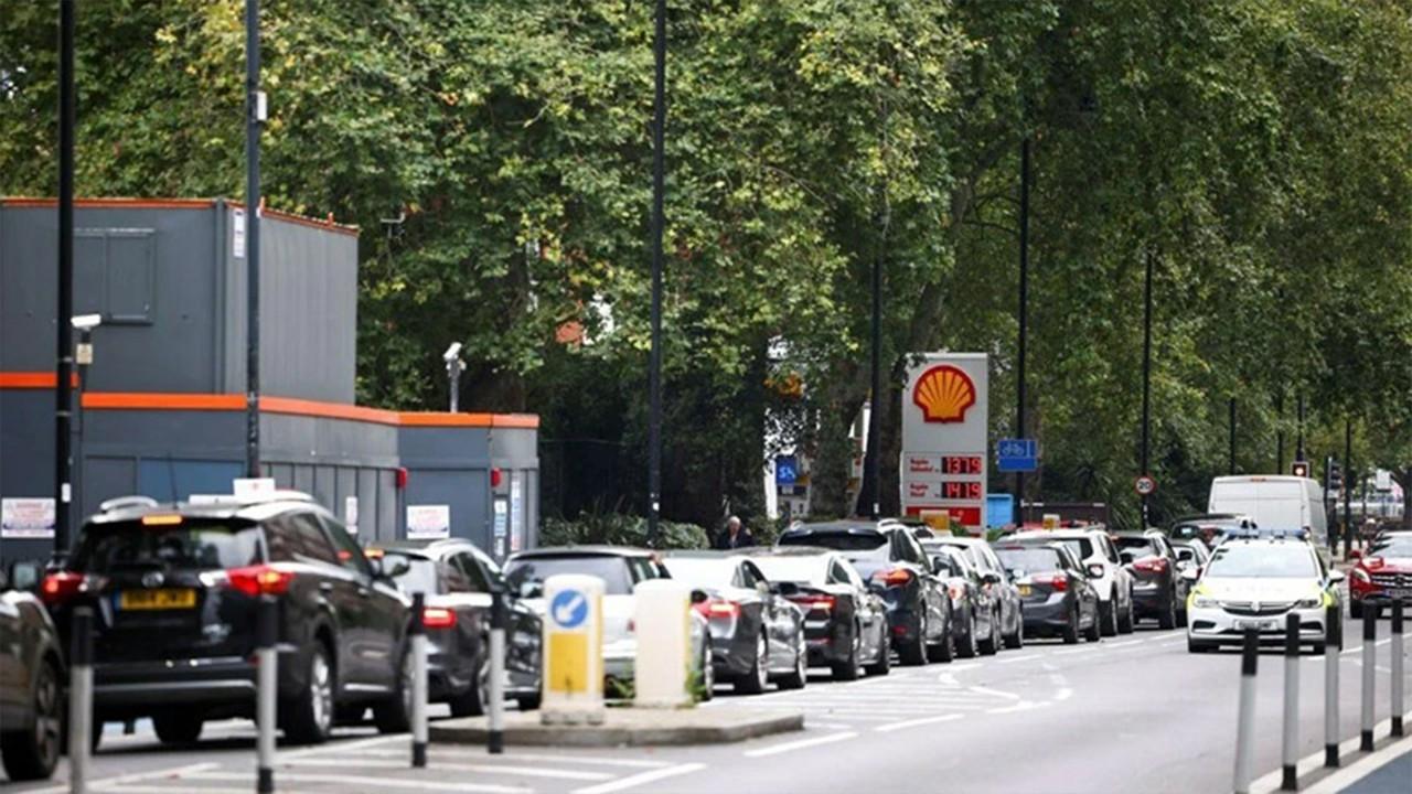 Londra'da benzin istasyonlarının yüzde 10'unda yok