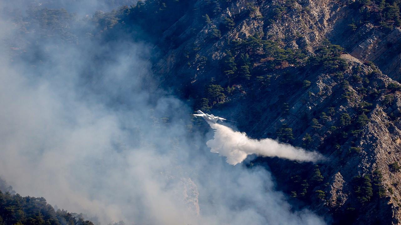 Kemer'deki orman yangınına havadan müdahale