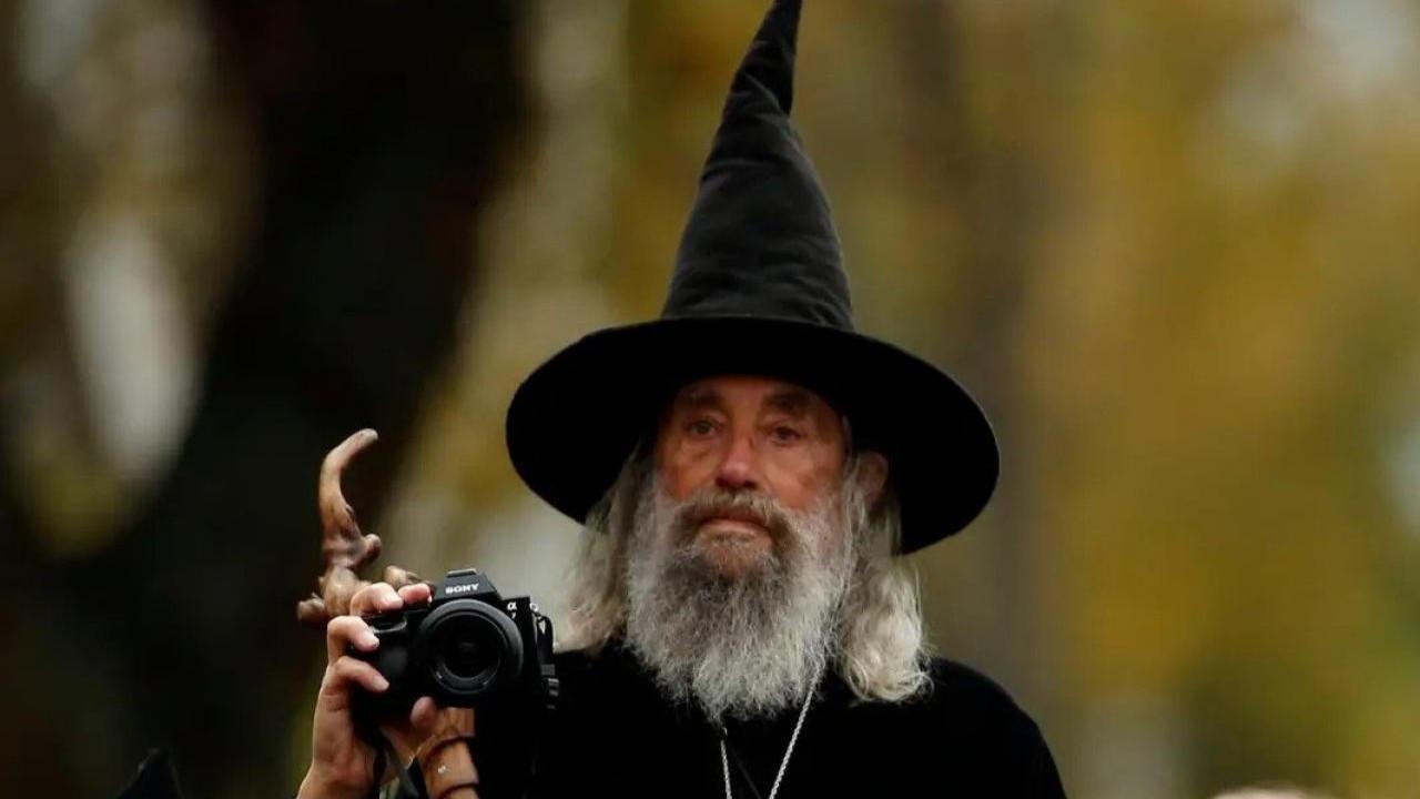 Yeni Zelanda'da belediyenin 23 yıllık resmi büyücüsünün işine son verildi