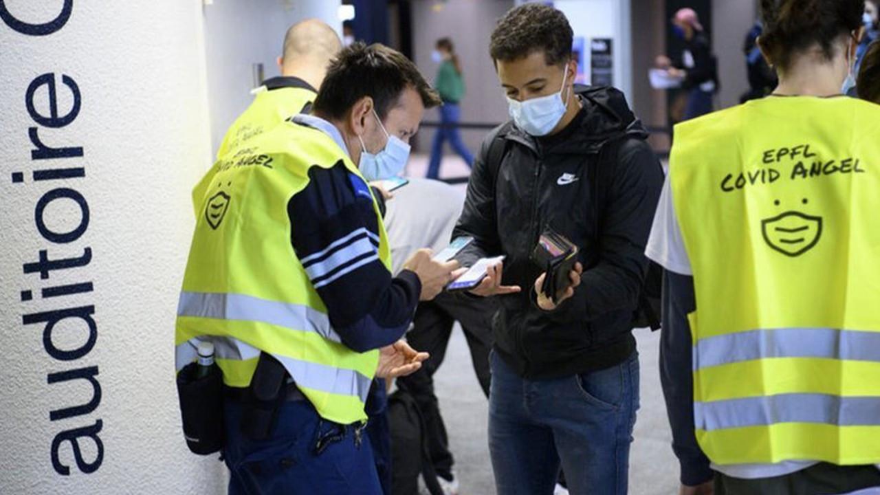 """İsviçre """"aşı sertifikası zorunluluğu"""" için referanduma gidiyor"""
