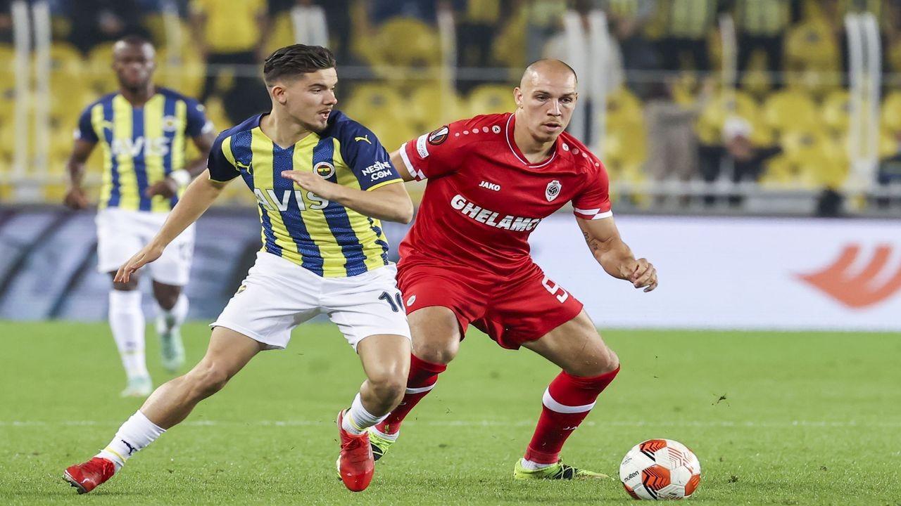 Fenerbahçe, üçüncü maçında da galibiyet alamadı