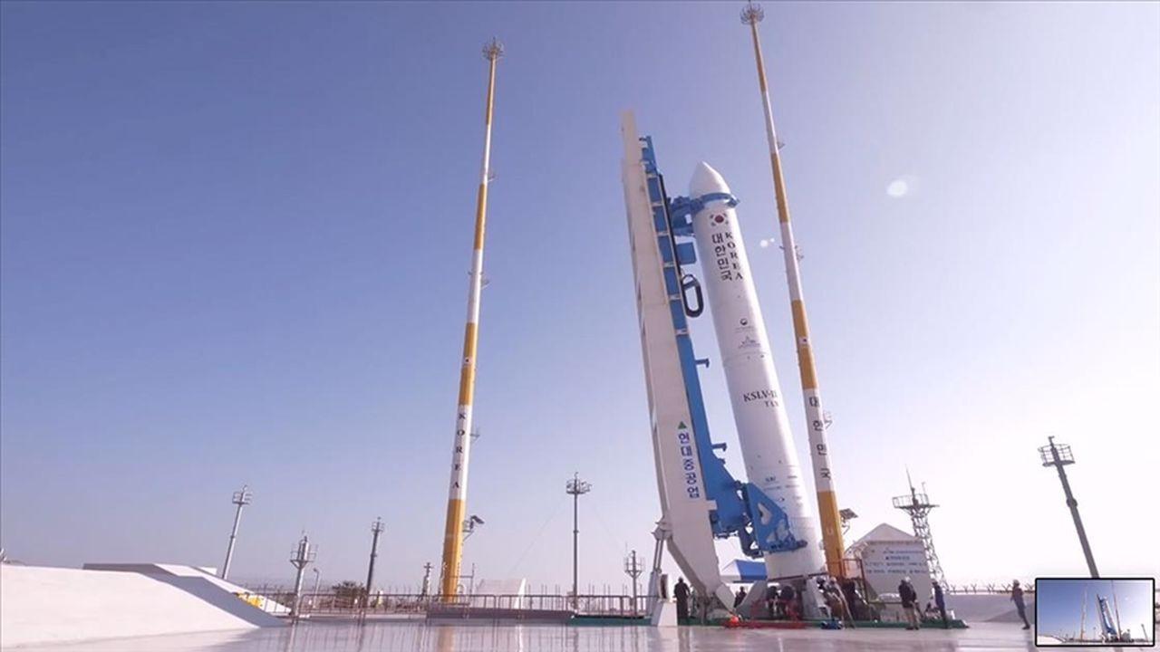 Güney Kore ilk yerli roketi 'Nuri'yi uzaya fırlattı