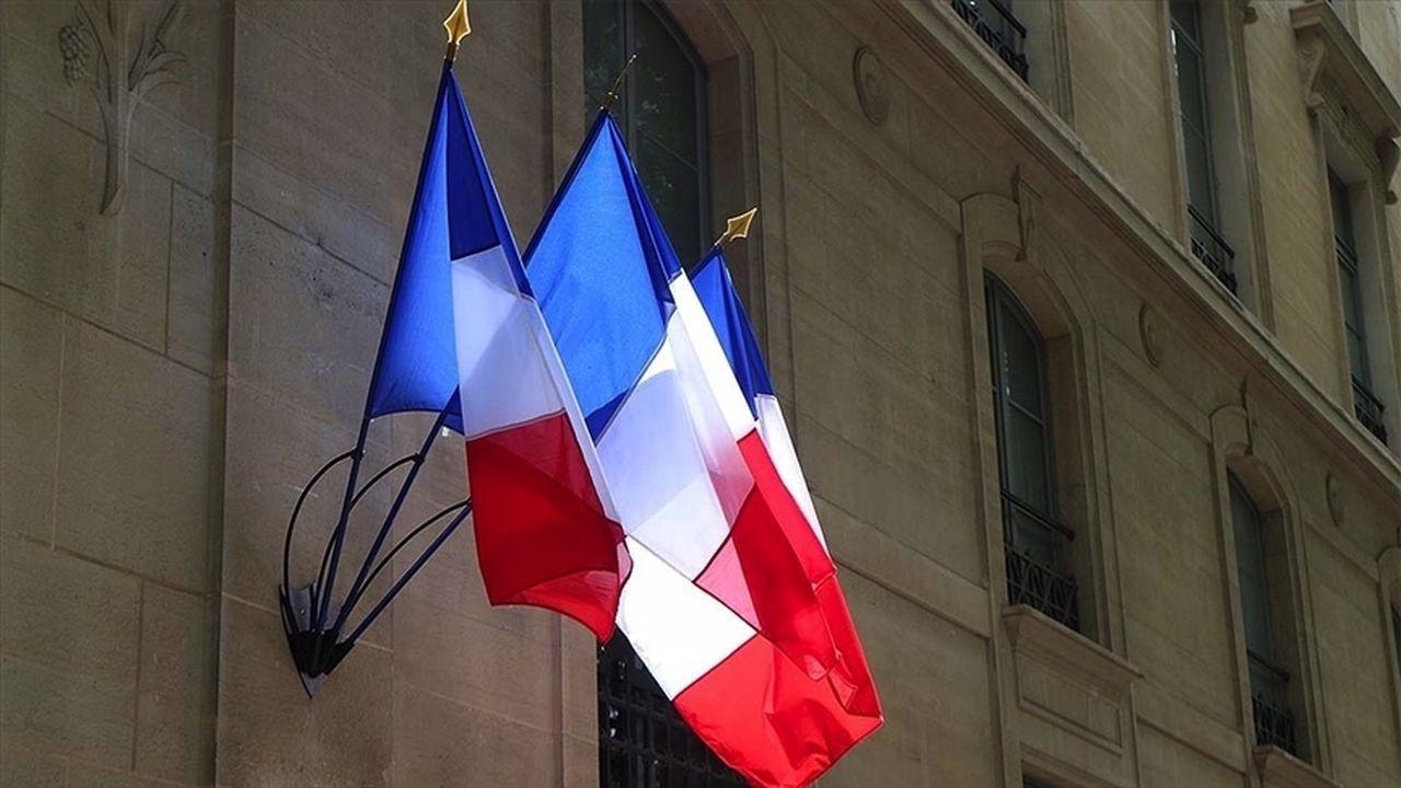 Fransa'da bir cami 6 aylığına kapatıldı